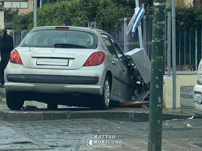 Incidente tra via Roma Capitale e via Veneto a Lido