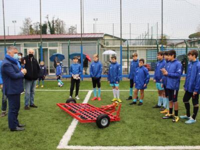 Il Senatore Mallegni (FI) dona macchinario al Campo Pedonese di Pietrasanta