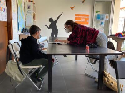Un crowdfunding per aiutare i ragazzi in difficoltà con la Dad