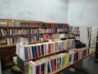 Allargamento della biblioteca Popolare Dada Media Book