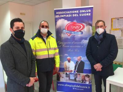 """5000 mascherine FFP2 dall'associazione """"Olimpiadi del Cuore"""" di Paolo Brosio"""
