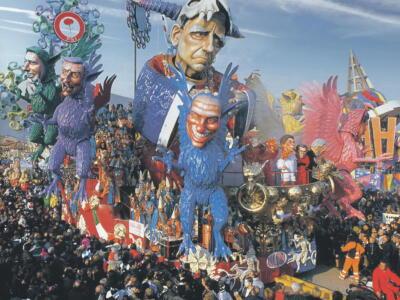 Carnevale di Viareggio, con Il Tirreno in regalo i poster dei carri vincitori dal 2000 al 2020