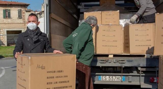 """Cinquemila mascherine FFP2 donate al Comune dalla onlus """"Olimpiadi del cuore"""""""