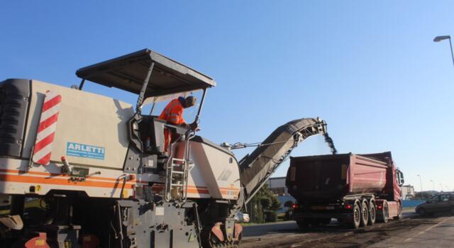 Cantieri tra Pontenuovo e Ponterosso lungo la via Aurelia, nuove asfaltature per 1 km