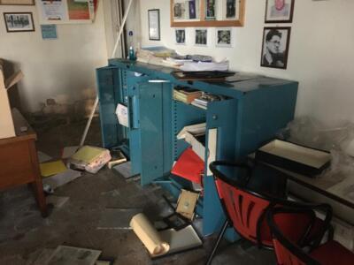 Vandalismi e furto nella sede Anpi di Viareggio