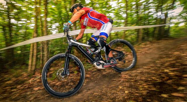 A Seravezza la prima tappa del Campionato italiano E-Bike Enduro