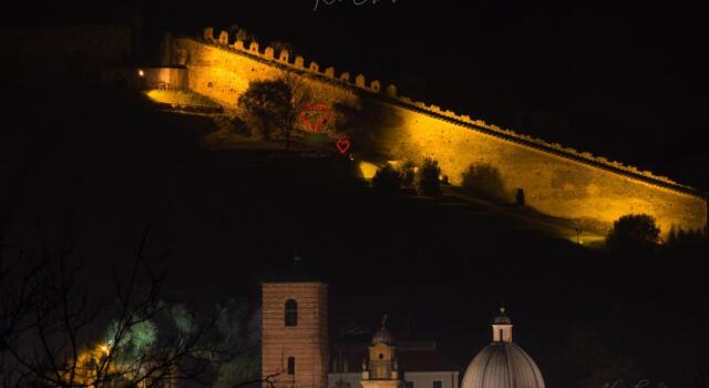 San Valentino: cuori giganti e cultura, Pietrasanta è la città degli innamorati