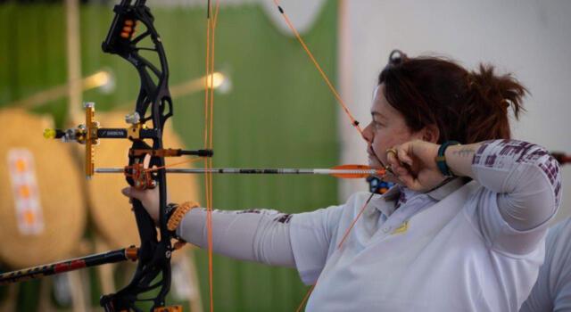 Per Giuseppina Parolisi nuovo titolo toscano nel tiro con l'arco, le congratulazioni del comune