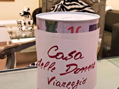 Un'azione di solidarietà: raccolta fondi a sostegno della Casa delle Donne di Viareggio