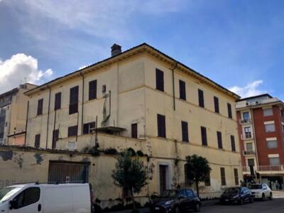 Partono i lavori di messa in sicurezza della ex caserma dei carabinieri di Viareggio