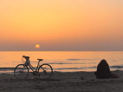 """Migliaia di like per le fotografie del mare d'inverno, la campagna su """"Pietrasanta Eventi"""" e """"Go Versilia"""" promuove la città oltre l'estate"""