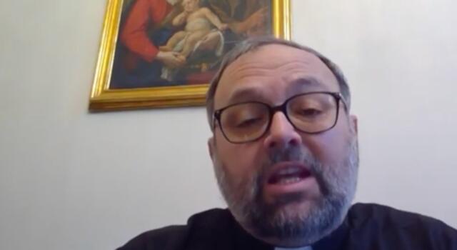 """Covid, arcivescovo Lucca: """"Temo più depressione e suicidi che violenza di piazza"""""""