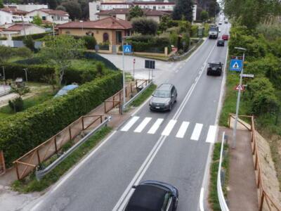 Focette, nuovo attraversamento pedonale tra via Cavour e via De Amicis