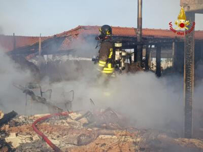 A fuoco uno stabilimento Balneare a Forte dei Marmi