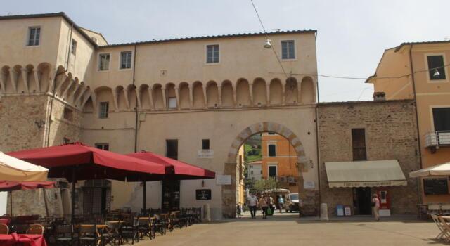 Lavori pubblici: nuova illuminazione per Rocca Arrighina e Piazza Carducci
