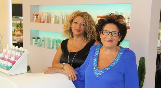 """Parrucchiera da """"Silvana"""" festeggia 60 anni di attività"""
