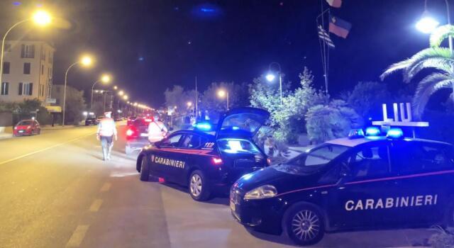 Cocaina e marijuana: due arresti per spaccio in Versilia