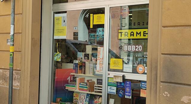 """In giro per librerie: """"Trame"""", una libreria nel cuore di Bologna."""