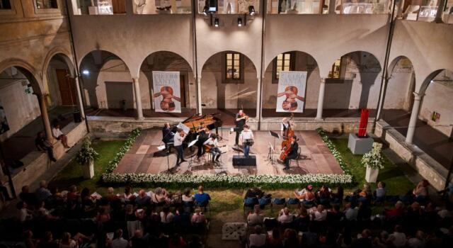 """""""Pietrasanta in Concerto"""" torna nel Chiostro con Michael Guttman, Jing Zhao e tanti amici"""