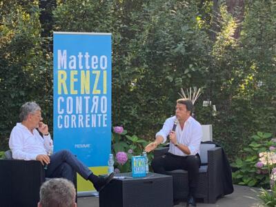 Renzi in Versilia… tra Fedez e Casalino
