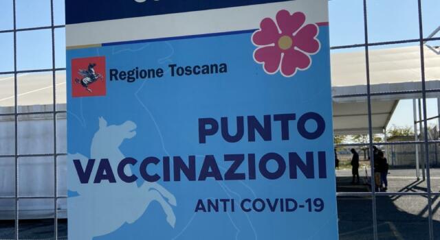 Covid: da lunedì possibile per tutti vaccinarsi senza prenotazione