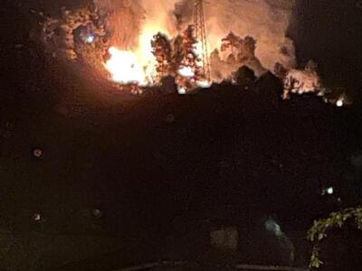Incendio a Valdicastello, evacuate 10 persone nella notte