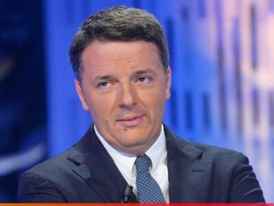 Matteo Renzi presenta il suo libro a Viareggio