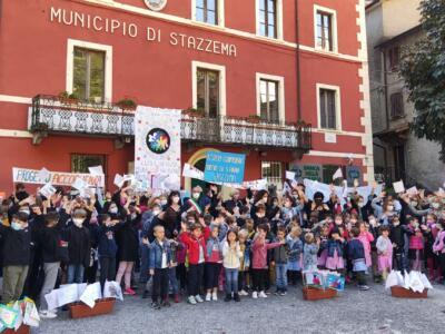 Inaugurato in piazza del Municipio l'anno scolastico dell'Istituto Comprensivo Martiri di Sant'Anna