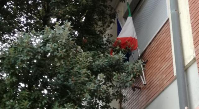 """Tofanelli (FDI), scuole a Torre del Lago: """"l'incuria nei luoghi istituzionali irrita ancora di più"""""""