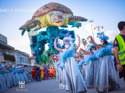 Carnevale Universale, le immagini del primo corso negli scatti di Mauro Pucci