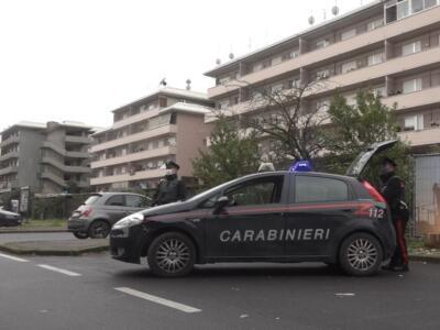 Furto in un circolo si trasforma in rapina, una donna ferita, indagano i Carabinieri